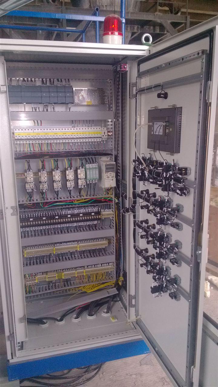 承接plc,变频器,触摸屏,电气控制柜等电气控制项目设计