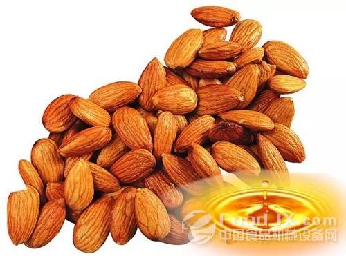 杏仁主要含有蛋白质,脂肪