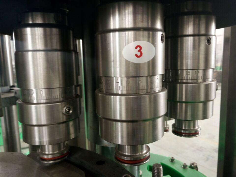 矿泉水,纯净水的生产,具有以下特点:灌装缸